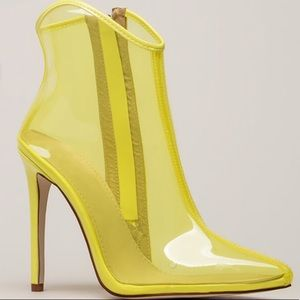 NWT Yellow/Clear PVC Ankle Booties
